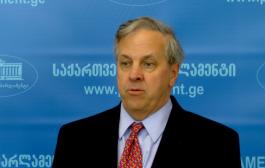 იან კელი: საქართველოს მთავრობისგან ინფორმაციას ველოდებით, რის შემდეგაც დავეხმარებით