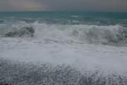 შავი ზღვის სანაპიროზე შტორმია გამოცხადებული