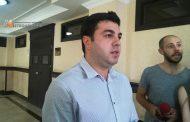 ადვოკატი: დეკანოზმა სატელეფონო ზარებზე შეზღუდვის გამო საკვების მიღებაზე უარი განაცხადა