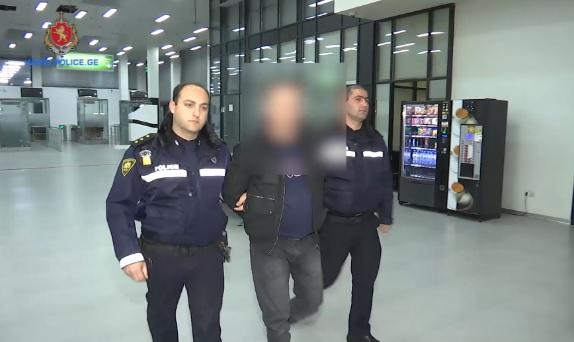 ახალციხეში დაკავებისას ეჭვმიტანილმა პოლიციას წინააღმდეგობა გაუწია (ვიდეო)