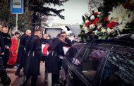 აფხაზეთიდან გადმოსვენებული გმირი ძმათა სასაფლაოზე სამხედრო პატივით დაკრძალეს