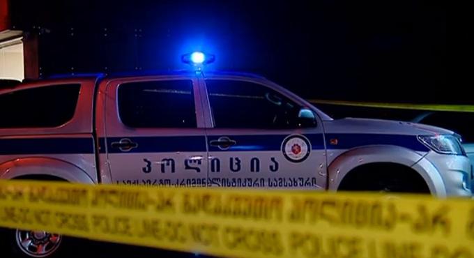 სროლა ფოთში: პოლიციელმა ეჭვმიტანილს ესროლა