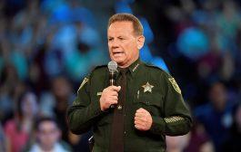 პოლიციელი, რომელმაც ფლორიდაში სკოლაზე თავდასხმა ვერ აღკვეთა სამსახურიდან წავიდა