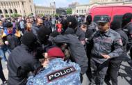 სომხეთის პოლიციის ცნობით, სამართალდამცველებმა 49 აქტივისტი დააკავეს