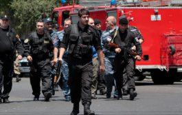 სროლა ბანკში: ეჭვმიტანილი პოლიციელია - ერევანში ბანკის ერთი თანამშრომელი დაიღუპა